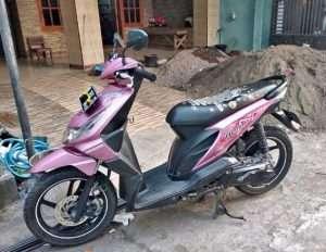 beat 2011 warna pink merah muda
