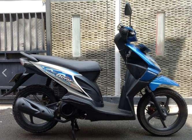 motor honda beat 2012 warna biru karbu