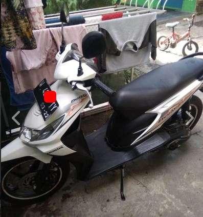 Harga motor beat 2012 warna putih karbu